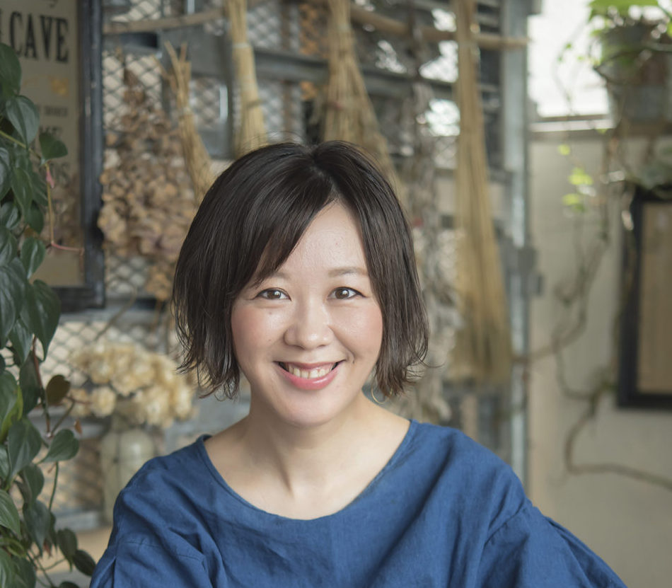 RISACO リサコ   新宿のヘアサロン美容室ヘアーミューズリベロ「hair muse Livero」スタイリスト